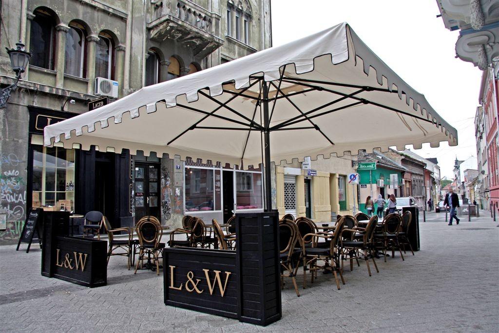 уличный зонт для кафе