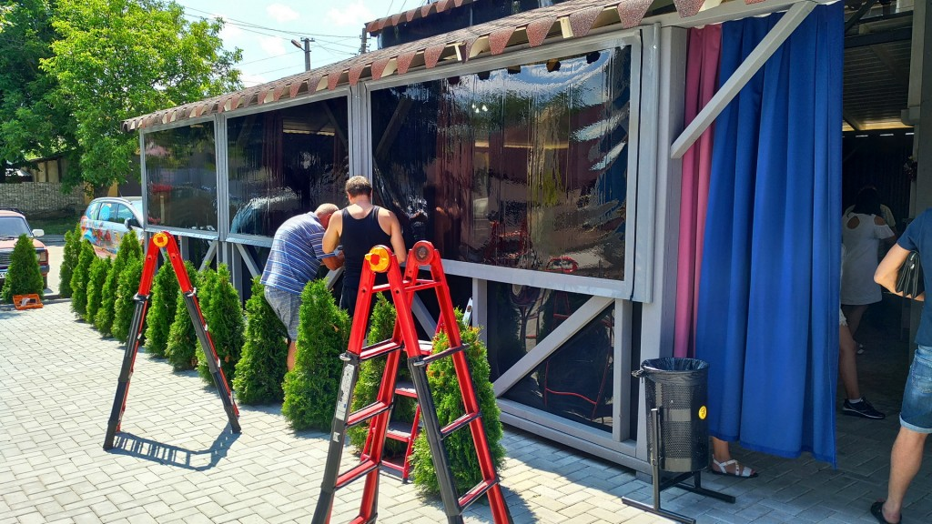 прозрачные пвх шторы с тонировкой